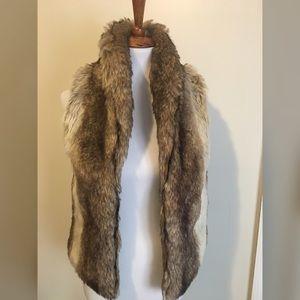 Never worn F21 Faux Fur Vest Size Small!