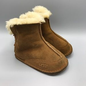 Ugg Boo 5206 Medium 12-18 Months Suede Tan Cute!