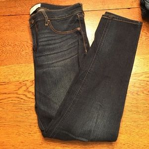 Dark rinse Abercrombie jeans size 6S
