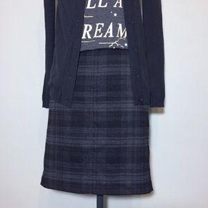 GAP Gray & Black Plaid Pencil Skirt
