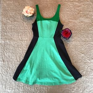 🌺Express Skater Sleeveless Mini Dress EUC 🌺
