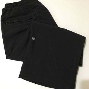 Lululemon Athletic Capri Black Pant Size 6