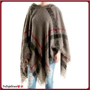 Sweaters - 🍁Just In 🍁 Hooded Plaid Poncho
