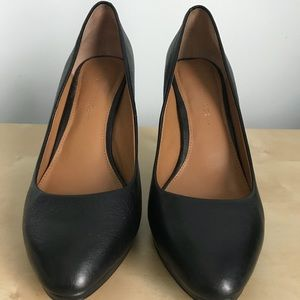Pre-owned Banana Republic Black Pumps