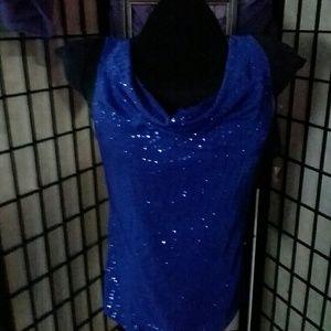 Tops - 💙beautiful blue top 💙