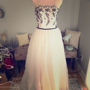 Beautiful white and black prom dress