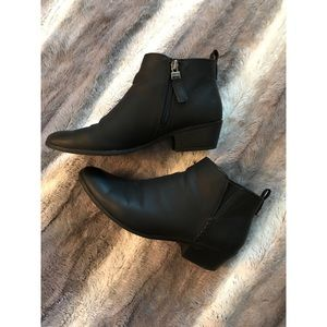 sam & libby • faux leather ankle boots