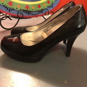 Never worn! Size 5.5 Mossimo heels 💋