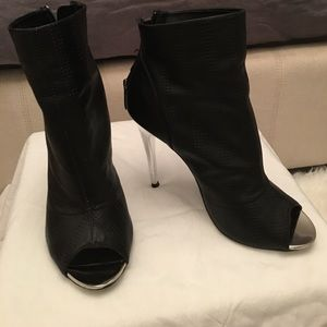 """Chinese Laundry Black Ankle Booties """"Leila"""""""