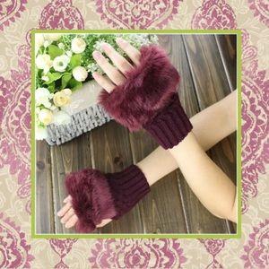 🎀New Burgundy red wine faux fur fingerless gloves