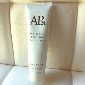 Nuskin whitening toothpaste. Brand new!! Sealed!!!