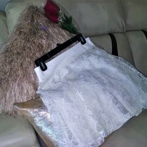 MINKPINK- White/Lace Mini Skirt