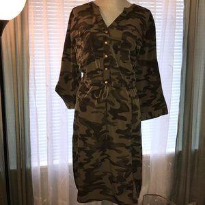 Lane Bryant Sz 22/24 camo dress roll sleeve