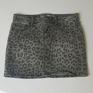 Gap Kids girls leopard grey denim skirt sz 10