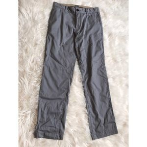 Gap Khakis 29x30 grey color pants
