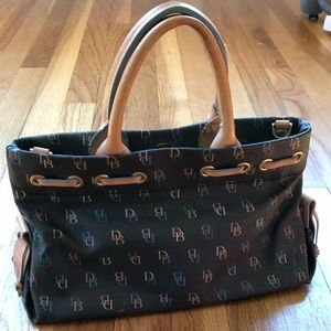 Dooney & Bourke handbag GUC