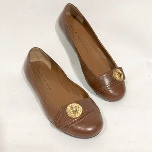 MARC BY MARC JACOBS BROWN LEATHER TURN-LOCK FLATS
