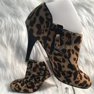 Awesome Rock port Leopard Booties size 7