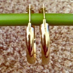 Jewelry - Gold toned hoop earrings