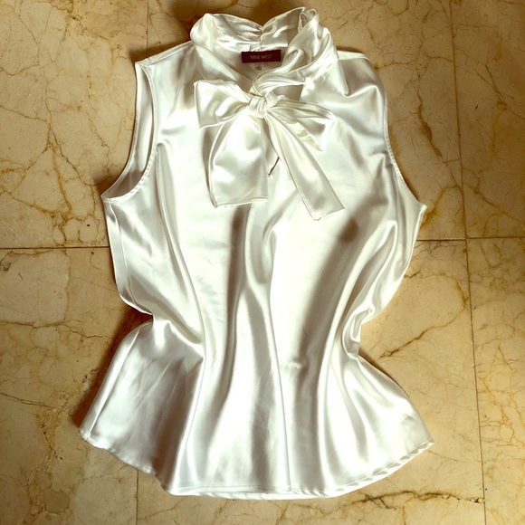 c0c300535b863c NINE WEST Cream satin blouse tie neck large. M 59e64c0936d5943c9304eb1c