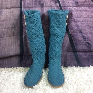 Ugg authentic teal Diamond pattern sweater boots 8