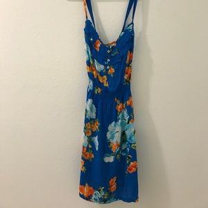 HOLLISTER Super cute floral dress