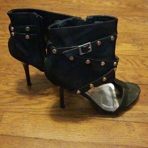 Cute stiletto heels!