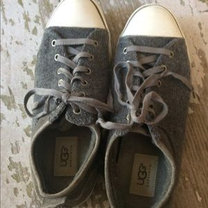 UGG sheepskin lined tennis shoes sneakers grey 8.5