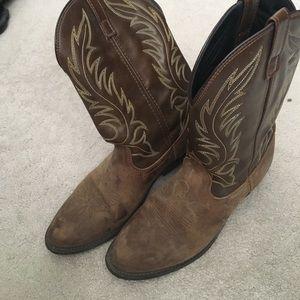 Laredo cowgirl boots