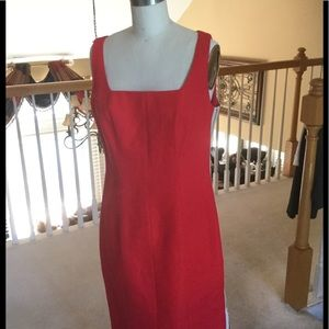 Red sheath dress,