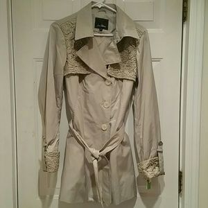 NWT Sam Edelman trench coat w/lace detail, size M