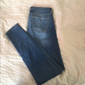 GAP super skinny jeans size 4/27