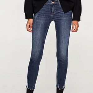 New Zara mid-rise skinny jeans with tags✨