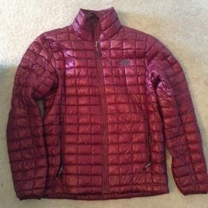 Woman's North Face Thermoball Like New SMALL