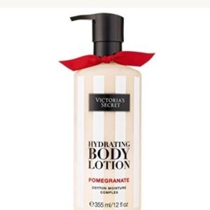 Victoria's Secret Hydrating body lotion Full Size