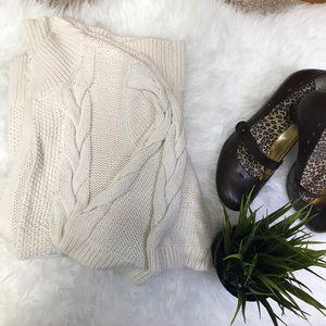 Beautiful Ann Taylor Loft Sweater