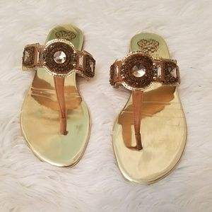 Vince Camuto Gold Thong Sandals size 8.5