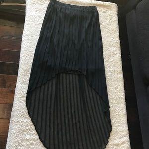 Ladies height-low skirt