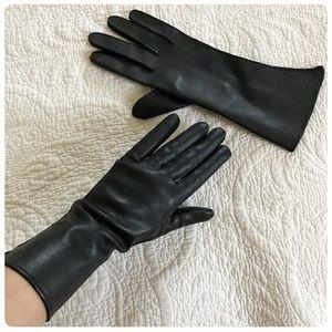 Vintage vinyl pleather, vegan leather black gloves