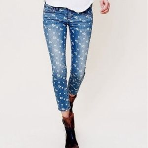 Free People Ditsy Floral Print Cropped Jeans