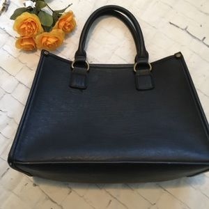 GH Bass & Co. Bags - Simple Square Structured Purse