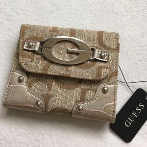 NWT Guess Small Wallet