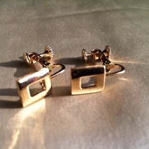 VENDOME Vtg Gold Graphic Square Clip On Earrings
