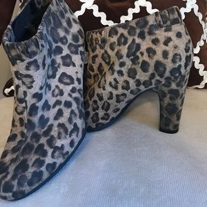 Sam & Libby Leopard Print Booties