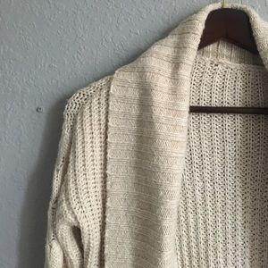 Wooly cream cardigan 🍁