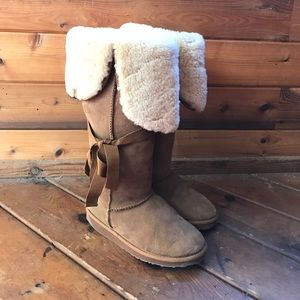 Emu Hi Hipper Tall Suede and Shearling Boot Size 8