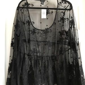 Torrid size 3/3x Black Lace Sheer Top new w/ tags