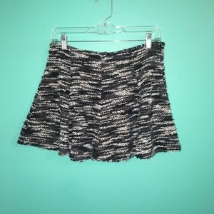 Junior's Black and Grey Knit Skirt
