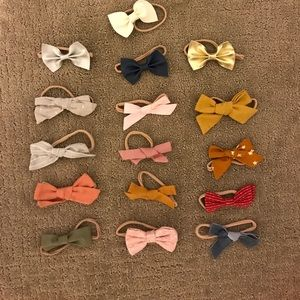 Other - Set of 16 poppy and co. Bows for baby!