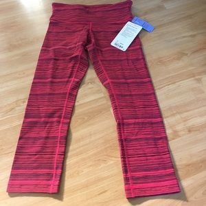Lulu Lemon wunder under crops size 6